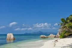 Πηγή δ ` Argent Anse - βράχοι γρανίτη στην όμορφη παραλία στο τροπικό Λα Digue νησιών στις Σεϋχέλλες Στοκ Φωτογραφίες