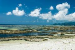 Πηγή δ ` Argent Anse - όμορφη παραλία στο τροπικό Λα Digue νησιών στις Σεϋχέλλες Στοκ εικόνες με δικαίωμα ελεύθερης χρήσης