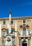 Πηγή ελεφάντων και το Δημαρχείο της Κατάνια, Σικελία Στοκ εικόνες με δικαίωμα ελεύθερης χρήσης