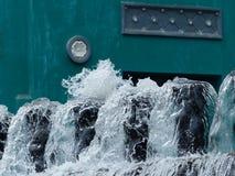 Πηγή καθαρού νερού μετά από μια διαδικασία καθαρισμού Στοκ φωτογραφίες με δικαίωμα ελεύθερης χρήσης