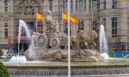 Πηγή και διασταύρωση κυκλικής κυκλοφορίας Cibeles στη Μαδρίτη Στοκ Εικόνα