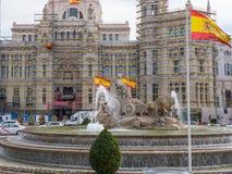 Πηγή και διασταύρωση κυκλικής κυκλοφορίας Cibeles στη Μαδρίτη Στοκ φωτογραφία με δικαίωμα ελεύθερης χρήσης