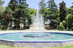 Πηγή και μνημείο στην πλατεία της Ιταλίας σε Mendoza Στοκ εικόνες με δικαίωμα ελεύθερης χρήσης