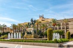Πηγή και μνημείο στη Arenal πλατεία του Λα Jerez de Frontera - Ισπανία Στοκ εικόνα με δικαίωμα ελεύθερης χρήσης