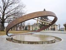 Πηγή-κωδωνοστοιχία σε Sakiai, Λιθουανία Στοκ εικόνες με δικαίωμα ελεύθερης χρήσης