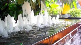 Πηγή νερού στο τετράγωνο πόλεων HD 1920x1080 φιλμ μικρού μήκους