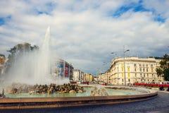 Πηγή παγκόσμιου πολέμου σε Schwarzenbergplatz στη Βιέννη australites Στοκ Εικόνες