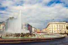 Πηγή παγκόσμιου πολέμου σε Schwarzenbergplatz στη Βιέννη australites Στοκ Εικόνα