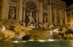 Πηγή Ρώμη TREVI που φωτίζεται Στοκ Εικόνες