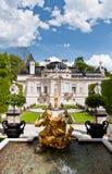 Πηγή στην αυλή κάστρων Linderhof Στοκ Φωτογραφίες
