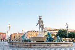 Πηγή στην πλατεία Massena στη Νίκαια, Γαλλία Στοκ εικόνα με δικαίωμα ελεύθερης χρήσης