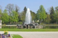 Πηγή στον κήπο Στοκ Φωτογραφίες