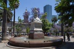 Πηγή στο κύριο τετράγωνο στο Σαντιάγο de Χιλή Στοκ Φωτογραφία