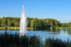 Πηγή στο πάρκο πόλεων στοκ φωτογραφίες