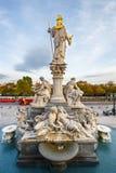 Πηγή του Παλλάς Αθηνά στη Βιέννη, Αυστρία στοκ φωτογραφίες με δικαίωμα ελεύθερης χρήσης
