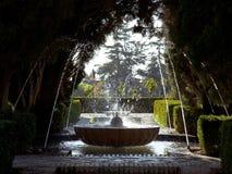 Πηγή του Generalife και οι νέοι κήποι Alhambra, Γρανάδα, Ισπανία Στοκ Εικόνες