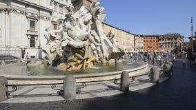 Πηγή Bernini τεσσάρων ποταμών στην πλατεία Navona, Ρώμη απόθεμα βίντεο