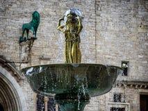 Πηγή Fontana Maggiore στην πλατεία IV Novembre στην Περούτζια, Umbr Στοκ Εικόνες