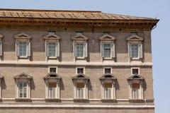 πηγή Peter Ρώμη s τετραγωνικό ST Βατικανό πόλεων bernini βασιλικών ανασκόπησης Το παράθυρο του παπά από το οποίο παραδίδει το ang Στοκ Φωτογραφίες