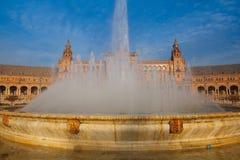 Πηγή Plaza de Espana, Σεβίλη, Ανδαλουσία, Ισπανία Στοκ Εικόνες