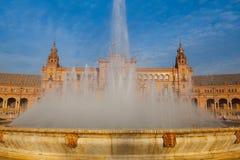 Πηγή Plaza de Espana, Σεβίλη, Ανδαλουσία, Ισπανία Στοκ εικόνες με δικαίωμα ελεύθερης χρήσης