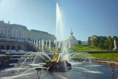 Πηγή Samson στο παλάτι Peterhof Στοκ εικόνες με δικαίωμα ελεύθερης χρήσης