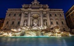Πηγή TREVI τή νύχτα, Ρώμη, Ιταλία Στοκ Εικόνα