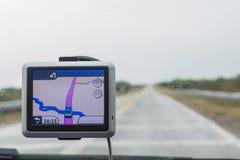 Πηγαίνετε κατ' ευθείαν Οδήγηση Assited μια βροχερή ημέρα στοκ εικόνες με δικαίωμα ελεύθερης χρήσης