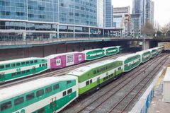 Πηγαίνετε τραίνο διέλευσης στο Τορόντο, Καναδάς Στοκ φωτογραφία με δικαίωμα ελεύθερης χρήσης