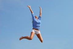 πηδώντας γυναίκα Στοκ φωτογραφία με δικαίωμα ελεύθερης χρήσης