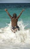 πηδώντας κύματα Στοκ εικόνα με δικαίωμα ελεύθερης χρήσης