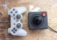 Πηδάλιο Playstation με το εκλεκτής ποιότητας πηδάλιο Στοκ Φωτογραφίες