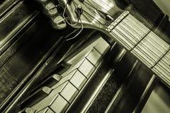 Πιάνο με την κιθάρα Στοκ φωτογραφίες με δικαίωμα ελεύθερης χρήσης