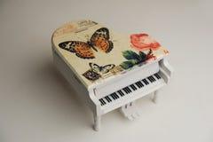 Πιάνο παιχνιδιών Στοκ Εικόνες