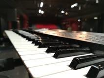 Πιάνο πριν από τη συναυλία στοκ εικόνες με δικαίωμα ελεύθερης χρήσης