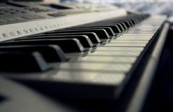 πιάνο πλήκτρων κινηματογραφήσεων σε πρώτο πλάνο Στοκ Φωτογραφία
