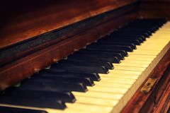 Πιάνο στο εκλεκτής ποιότητας ύφος Στοκ εικόνα με δικαίωμα ελεύθερης χρήσης