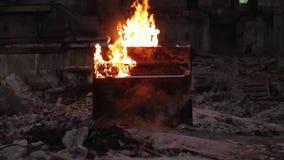 Πιάνο στο μουσικό όργανο πυρκαγιάς απόθεμα βίντεο