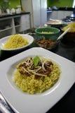 Πιάτα βόειου κρέατος και κοτόπουλου των κινεζικών νουντλς Στοκ φωτογραφία με δικαίωμα ελεύθερης χρήσης