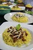 Πιάτα βόειου κρέατος και κοτόπουλου των κινεζικών νουντλς Στοκ Εικόνες