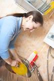 πιάτα η γυναίκα πλύσης κο&upsilo Στοκ Εικόνες