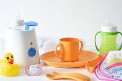 Πιάτα και εξαρτήματα μωρών Στοκ φωτογραφία με δικαίωμα ελεύθερης χρήσης