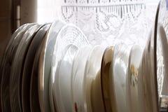 Πιάτα κουζινών στο φυσικό φως Στοκ Εικόνες