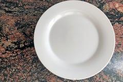 Πιάτα πορσελάνης που απομονώνονται Στοκ Εικόνες