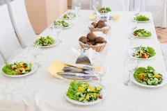 πιάτα σαλάτας για 10 άτομα Στοκ Εικόνες