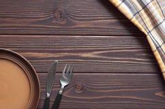 Πιάτο, δίκρανο και μαχαίρι Στοκ Εικόνες