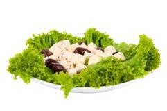 πιάτο ελιών μαρουλιού φέτας τυριών Στοκ Εικόνες