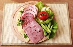 πιάτο ζαμπόν αγροτικό Στοκ εικόνες με δικαίωμα ελεύθερης χρήσης