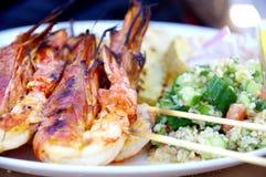 Πιάτο θαλασσινών με το taboulè στοκ φωτογραφία με δικαίωμα ελεύθερης χρήσης