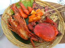 Πιάτο καλαθιών θαλασσινών στοκ εικόνες με δικαίωμα ελεύθερης χρήσης